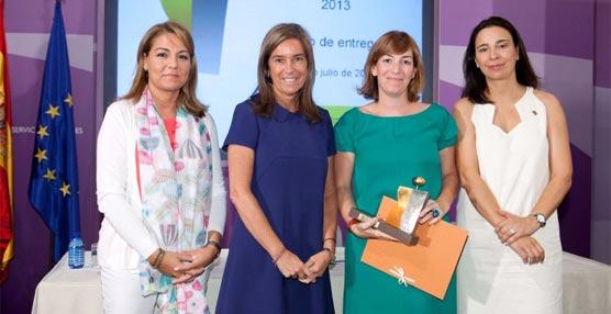 La compañía de transportes Interurbana de Autobuses recibe el distintivo de 'Igualdad en la empresa'