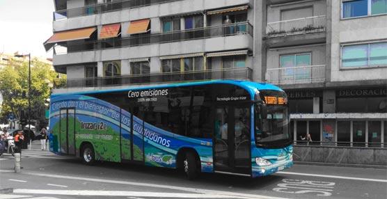El primer autobús eléctrico de Irizar, presentado en San Sebastián, se incorpora a las líneas urbanas de Dbus