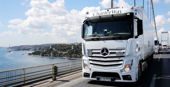 Daimler AG mejoró sus resultados en el segundo trimestre y espera cierto crecimiento para final de año