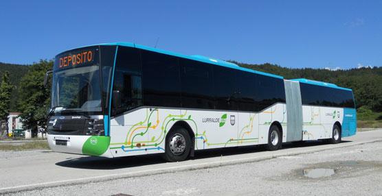 Scania entrega dos autobuses articulados a Euskotren para dar servicio al Consorcio de Lurraldebus