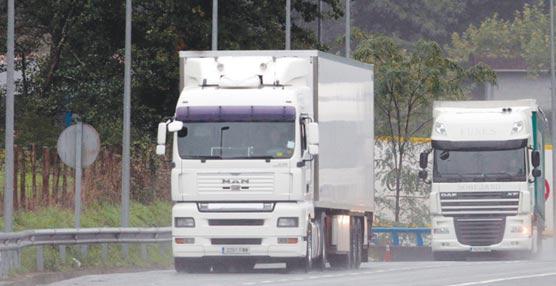Leve incremento de costes y precios mientras continúa la reducción de la actividad del transporte nacional de mercancías