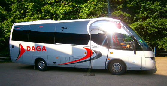Indcar entrega un microbús modelo Wing carrozado sobre chasis Iveco 70C17, a la empresa Agramunt