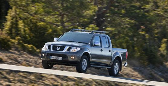 El nuevo Navara de Nissan incorpora mayor seguridad y un diseño renovadoen la gama 2015