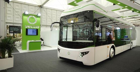 Vectia se estrena en la FIAA con dos híbridos: el midibús Teris de 10,70 metros y el Veris, de 12 metros de longitud