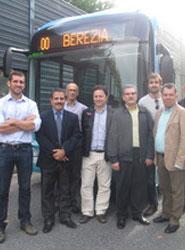 Profesionales del transporte de Monterrey (México) visitan las instalaciones de Dbus