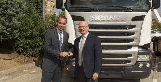La flota de Transportes Lara crece con 16 nuevas tractoras Euro 6 R 450 del fabricante sueco Scania