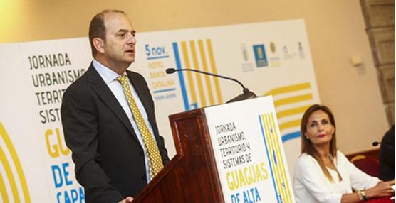 El Ayuntamiento de Las Palmas informa que el BRT incrementará un 20% el número de usuarios del transporte público