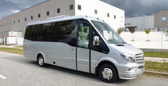La empresa de transporte en autocar Javier de Miguel estrena una unidad Spica de car-bus.net con chasis cabina MB