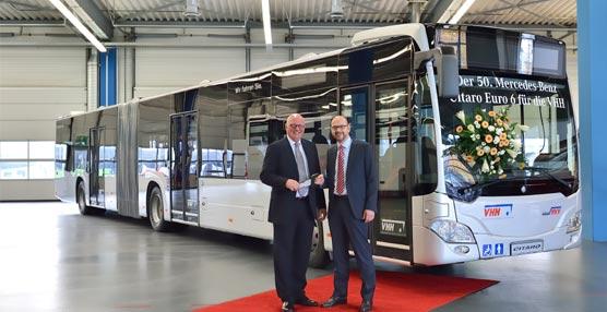 El operador de transporte Hamburgo-Holstein AG recibe su Mercedes-Benz Citaro Euro VI número 50