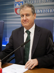 La Ley de Transportes de Viajerosen Cantabria sale adelante con el apoyo unanime del Parlamento