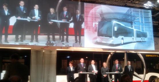 Mercedes-Benz presenta el nuevo CapaCity L, el autobús urbano más largo de Europa