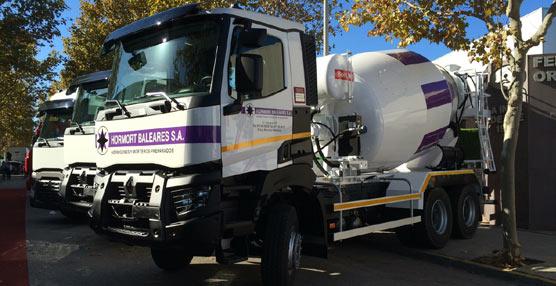 Primeras hormigoneras de la gama Construcción Aplicaciones Severas de Renault Trucks en terreno balear