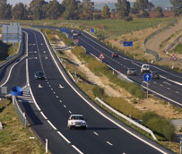 Bajar a 90 km/h el límite en carretera convencional reduciría un 20% los fallecidos en España