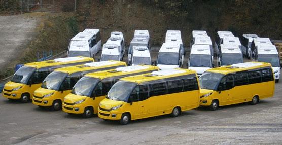 Indcar entrega 20 vehículos a Cars Jaunes y el nuevo Mobi urbano a La Hispano de Fuente En Segures