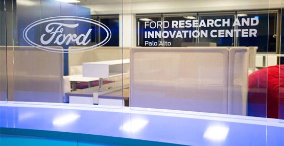 Ford espera tener uno de los mayores centros de investigación de un fabricante de vehículos en Silicon Valley para finales de año, con un equipo de 125 investigadores, ingenieros y científicos.