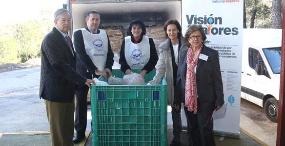 Los empleados de  ALSA han recogido y hecho entrega de 14 toneladas de alimentos a los Bancos de Alimentos.
