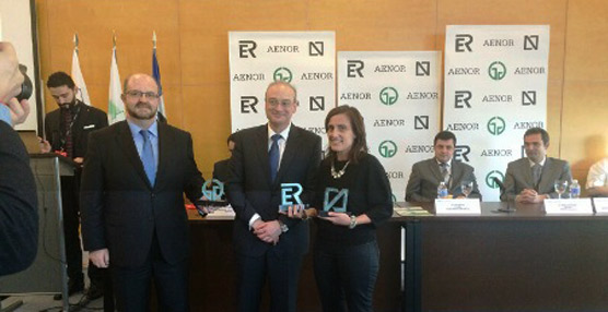 Semura Bus recibe en Fitur las certificaciones de calidad Aenor otorgadas al servicio de transporte urbano