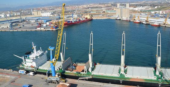 Fomento destaca los tráficos alcanzados en los puertos españoles, los cuales 'confirman la recuperación económica'