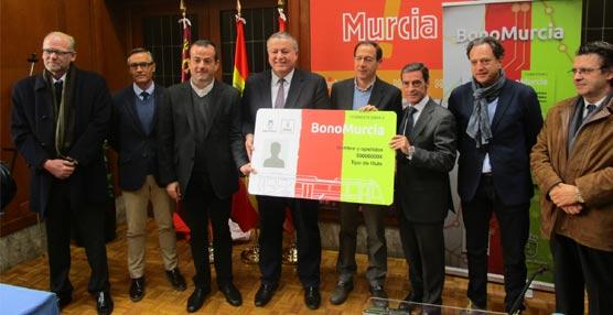 Murcia tiene nuevo título unificado de transporte, presentado por la Consejería de Fomento y el Ayuntamiento