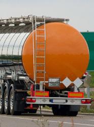 Las empresas que realizan transporte de mercancías peligrosas están obligadas a disponer al menos de un consejero de seguridad.