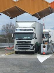Los transportistas rechazan tener que  circular por las autopistas de peaje