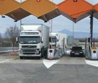 Los transportistas rechazan la intención de Fomento de obligar a los camiones a circular por las autopistas de peaje