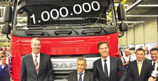 DAF fabrica y entrega su camión un millón, en un acto al que acudió el primer ministro de los Países Bajos