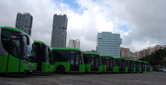 Del primer lote, entregado el 24 de este mes, 34 guaguas se destinan a servicios interurbanos (con una aportación del Cabildo de 8,5 millones) mientras que el Ayuntamiento de Santa Cruz aporta 4,3 millones para los 19 urbanos.