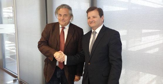 La asociación Feteia-Oltra y el Consejo General de Agentes de Aduanas deciden la creación de una comisión paritaria conjunta