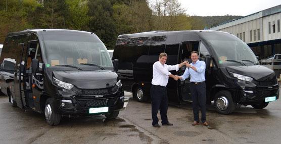Indcar entrega dos unidades del modelo Wing a la empresa holandesa Doelen Coach Services
