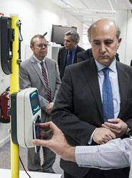 Pruebas para poder acceder al transporte público mediante teléfono móvil.