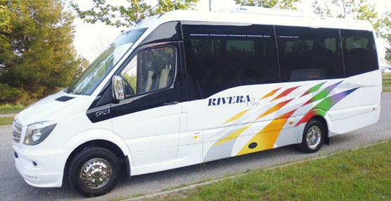Car-bus.net hace entrega de una unidad Spica a la empresa jienense Rivera Bus