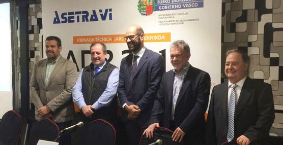 Más de cien profesionales del sector participan en Bilbao en una jornada sobre el ADR 2015