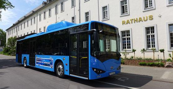 Un autobús eléctricofabricado porBYD está a prueba durante 15 días en la ciudad alemana de Trier