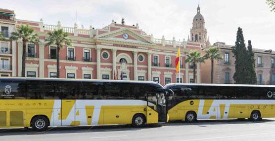 Ampliación en la flota de LAT con la incorporación de dos autobuses con visión panorámica y wifi