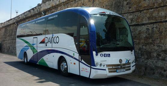 Los trabajadores de la empresa de Autobuses Dainco celebran el 25 aniversario de la empresa