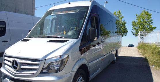 Ibericar Benet hace entrega de una unidad Spica de Car-bus.net a Autocares Ronnie