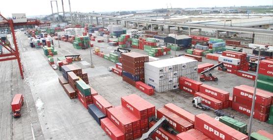 Los puertos españoles ofrecen más de 37 millones de metros cuadrados de superficie para actividades logísticas