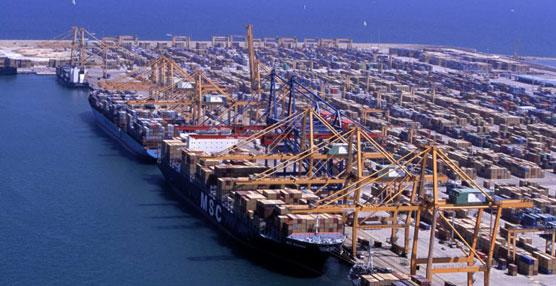 Valencia repite como el mejor puerto de transporte de vehículos en 2015.