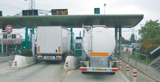 La CETM a anuncia que Fomento retrasa el plan de desvío voluntario a las autopistas de peaje.