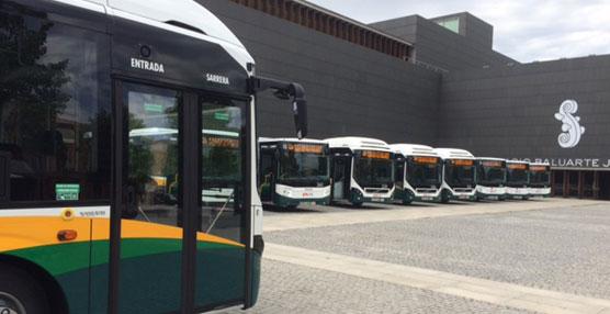 Volvo entrega cuatro autobuses híbridos a la Mancomunidad de la Comarca de Pamplona