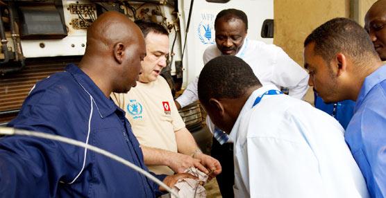 Renault Trucks da formación a 150 mecánicos pertenecientes al Programa Mundial de Alimentos en África