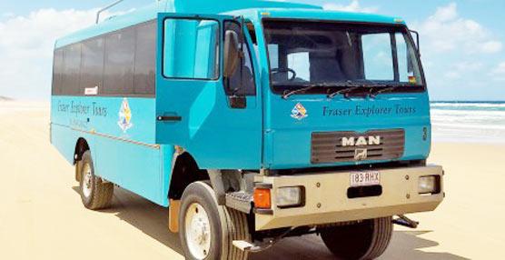 Un camión MAN convertido en autobús es el mejor medio de transporte para una exótica isla australiana