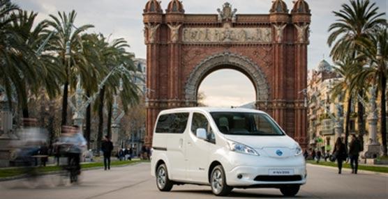 Nissan saca a pasear por Europa su furgoneta eléctrica insignia, la e-NV200
