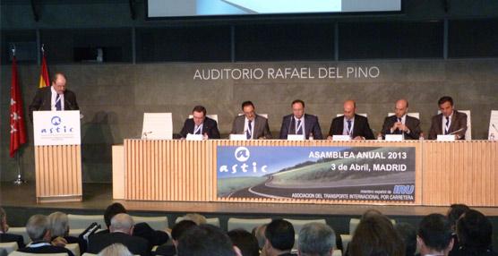 Astic sigue echando en falta más fondos para el transporte por carretera  en España pese a que lo recomiendan instituciones internacionales