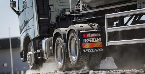 Mejor agarre y menor consumo de combustible con el nuevo Tandem Axle Lift de Volvo Trucks