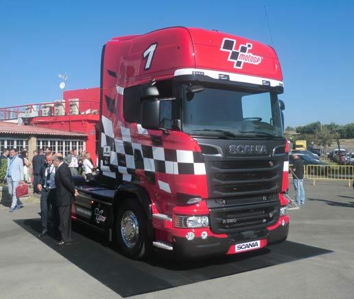 Scania conmemora su primer año de presencia en el mundial de MotoGP con una edición limitada