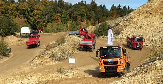 50 vehículos de construcción y de transporteespecial muestran lafortaleza de la tracción de MAN