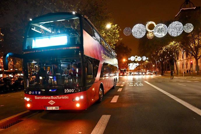 Barcelona pone en marcha la versión navideña del bus turístico