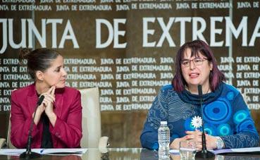 Extremadura autoriza la contratación de líneas regulares